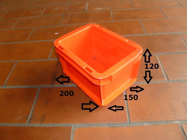 auktion 159 rote beh lter boxen in verschiedenen gr en rockmann auktionen rockmann. Black Bedroom Furniture Sets. Home Design Ideas
